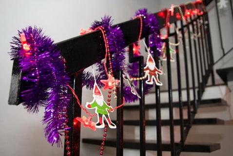украсить офис на новый год